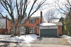 Real Estate Listing   17 AMBERWOOD CRESCENT Ottawa